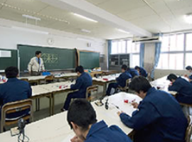 電気科実習室